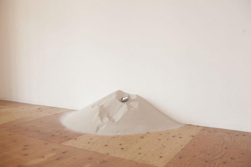Sand Piece (35°6'29.15″ N135°54'9.63″E)